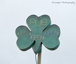 clover, pub, sign