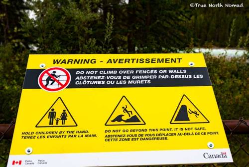 athabasca-waterfall-sign