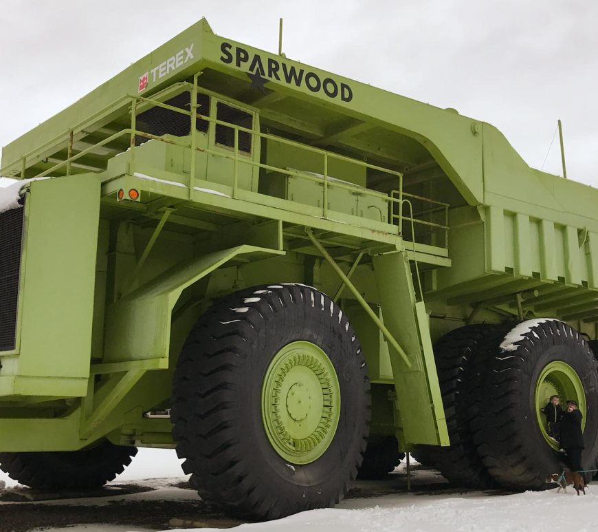 sparwood, British Columbia, largest truck in world, titan, travel